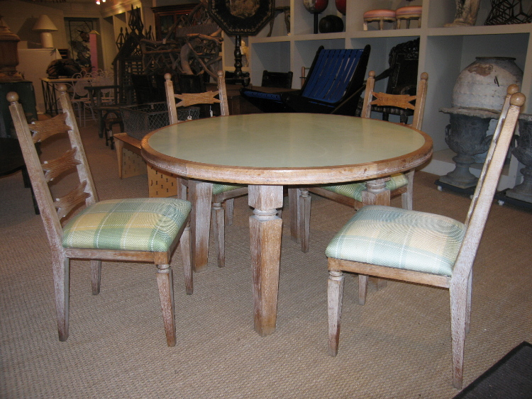 1940s FRENCH LIMED OAK DINING TABLE AND FOUR CHAIRS : frlimedoakset2 from darrelldeanantiques.com size 750 x 563 jpeg 274kB
